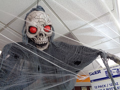 Cottonwood Giant (twm1340) Tags: halloween decorations spook goblin demon cottonwood az giant gas station service shop convenience store
