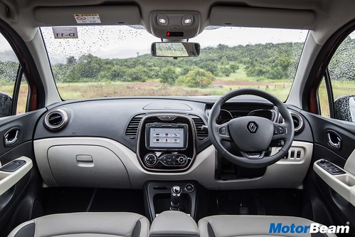 Renault-Captur-03