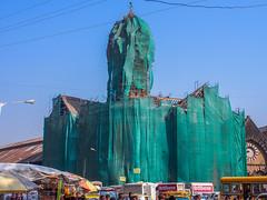 Mumbai 2015 (hunbille) Tags: india mumbai bombay birgittemumbai2lr crawford market crawfordmarket victorian historic bazaar mahatma jyotiba phule mandi mahatmajyotibaphulemandi fruit poultry scaffolding scaffold