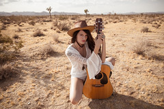 Tree and the Desert-323 (Phoenix Aperture) Tags: yuccavalley california unitedstates us lookbook boho boutique