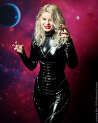 OzComicCon Sydney 2017 (climbintomycamera) Tags: cosplay ozcomicconsydney ozcomicon catwoman batman dc michelle pfeiffer returns villain latex leather corset michellepfeiffer