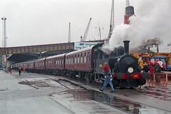 Overlord+50 : B4 Normandy shunting in So'ton E Docks, 4 June 1994 (Ian D Nolan) Tags: railway southamptondocks 35mm epsonperfectionv750scanner dday om40 b4 96 lswr 040t
