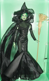 2014 The Wizard of Oz™ Fantasy Glamour Wicked Witch of the West™ Doll (2)