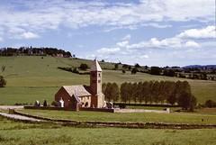 Mazille (Saône et Loire) (Cletus Awreetus) Tags: france bourgogne saôneetloire mazille architecture église clocher artroman cimetière paysage printemps