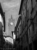 Corso Cavour e Torre del Moro - Orvieto (frillicca) Tags: 2017 architecture architettura bn bw biancoenero blackandwhite corsocavour medieval medievale medioevo orvietotr ottobre panasoniclumixlx100 torredelmoro tower