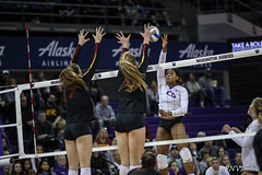 UW USC-FT4I7046 (Pacific Northwest Volleyball Photography) Tags: volleyball ncaa washington usc uwhuskies seattle pac12 pac12vb
