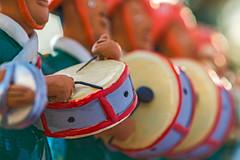 Samba Squad (fotofrysk) Tags: macromonday memberschoice musicalinstrument sambasquad drum percussion sticks souvenir brazil bandagroupo esculturaembarro autorednaldo pernambuco artpopular folkart canada ontario thornhill cityofmarkham afsmicronikkor105mm28ged nikon d7100 201711037043