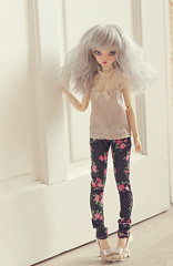 Jeans & top (Plume Blanche Créations) Tags: plumeblanchecréations plumeblanche clothesbjd skinnyjeans top vest dollclothing mnf minifee rheia bjd balljointeddoll doll resin dress