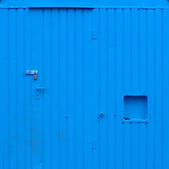 Die blaue Wand... (schau_ma_da) Tags: bauwagen blau dezember flickr köln mühlheimerbrücke minimal quadrat schaumada schauspiel spaziergang tür