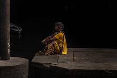 © patrickrancoule-2342 (Patrick RANCOULE) Tags: bénarès gange inde varanasi femme ghats nuit