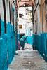Wiping (Leo Hidalgo (@yompyz)) Tags: marruecos المغرب almaġrib morocco tétouan street blue woman