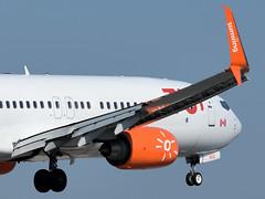 TUI Sunwing Boeing 737-800 landing at Corfu Airport (geomaret) Tags: cgowg boeing b737 b737800 corfu lgkr cfu landing tui sunwing
