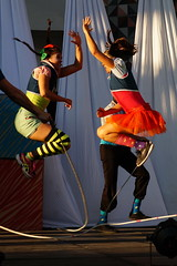 5 + 5 (supernova.gdl.mx) Tags: cirko alebrije festival flickrfriday sucede guadalajara mexico acrobata brinco salto saltando brincando soga cuerda sincronia sincronizacion timing