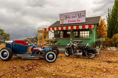 Car Tunes on TV (Ken Hendricks and Larry Patchett) Tags: dukeandmins roadside drivein 1922 hotrod motorcycle indian 124scale diecast model car tbucketbydm ixo 1948
