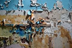 AA0_9257 (jacques sof) Tags: urbex construction interieur destruction abandonné detruit cassé immeuble bâtiment meuble mur peinture ecaille peintureecaillée bois pierre ciment platre inside abandoned destroys broken building pieceoffurniture wall paint scale peelingpaint wood stone cement plastered