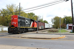 Coming into the Co-op (MrLuebeck) Tags: cn 9473 gp402lw gp402l l538 local trains railroad gbw