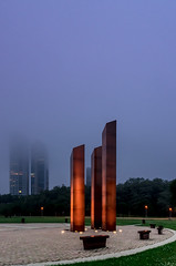 Monument I-a : Vietnam Veterans Memorial (theReedHead) Tags: thereedhead milwaukeephotographers wisconsinphotographers sonya7 sonymirrorlesscameras sony2470mmf4 sonyzoomlens cityscapes monoliths monuments warmemorials veteranmemorials vietnamveteransmemorials vietnamwarmemorials vietnamwarveteransmemorials redgranite realism atmospheric misty mist solemn milwaukee wisconsin milwaukeelakefront veteransparkmilwaukee