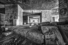 Coeur de pierre ! (poupette1957) Tags: art abandonné carriere pierre noir noirblanc urbex sud canon sigma france monochrome provence bruno