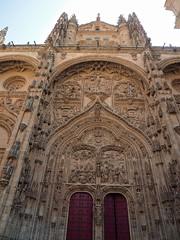 P9060386 (simonrwilkinson) Tags: salamanca castileandleón spain exterior gothic doorway portal west