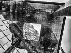 Reflected symmetry (MiguelHax) Tags: london england unitedkingdom gb blackandwhite bw wb monochrome noiretblanc architecure city new blackwhite reflection