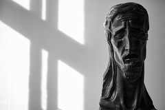 Ivan Meštravić - Window Shadow with Head of Christ (1914) (Foto John) Tags: leicam leicam240 leica leicamtyp240 rangefinder summicronm35mmf2asph blackwhite blackandwhite blackandwhitethatsright monochrome sculpture shadow artgallery art split croatia ivanmeštrović