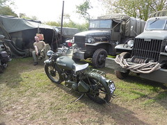 40's Weekend 7Lakes (ntb146) Tags: 40s ealand crowle war cars bikes 7lakes lincolnshire scunthorpe spitfire wargames