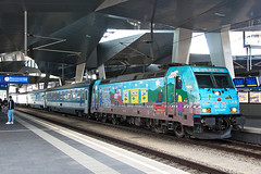 480 012 (gerhard.1962) Tags: bahn eisenbahn wien wienhauptbahnhof hauptbahnhof viennacetralstation trainspotting mav 480012 eurocity ec145 lehar train nikon nikond90