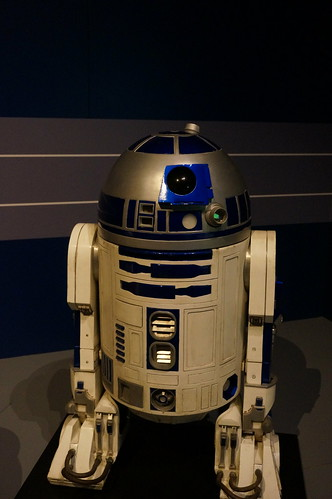 "R2-D2 • <a style=""font-size:0.8em;"" href=""http://www.flickr.com/photos/28558260@N04/37339850476/"" target=""_blank"">View on Flickr</a>"