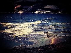Blu, Oro e Argento (Isabelle_Ellis86) Tags: europa europe nature natura sky ciel lovely awesome interesting ligth paysage complete beautiful incredible perfect landschaft strand handheld mighty countryside wolken vacanza vacanze vacance geotagged italia italy italie autunno cielo autumn blu blue bleu edificio centrostorico inverno winter hiver mare sea mer scogli scoglio oro gold argento riflessi riflesso acqua eau water spiaggia sable ligura santostefanoalmere santostefano