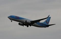 TUI: G-FDZA (Northern Transport Photos) Tags: tui thomsonfly thomsonairways newcastleairport
