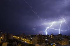Tempestade elétrica (fabsciack) Tags: raio trovão lightning trovoada thunderstorm thunder storm tempestade temporal céu céunoturno chapecó santacatarina brasil brazil canoneos7d canon canon7d