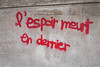 "#Manif10octobre #Nantes #GameOfTags: ""L'espoir meurt en dernier"" (ValK.) Tags: gameoftags loitravailxxl pjlterrorisme loitravail cabanedupeuple etatdurgencepermanant maisondupeuple nantes politique valk demonstration fonctionpublique graff graffiti greve intersyndicale manifestationunitaire social tag france fr"