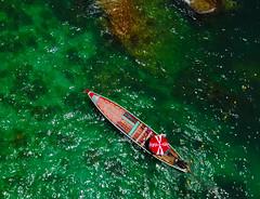 Drone Shot above Long Tail Boat   Plentiful Travel (plentifultravel) Tags: longtailboat boat boats thailand kohsamui cocacola plentifultravel travel traveling travelphoto drone drones dronephoto droneshot dji djimavic mavic kosamui tropical aerialphoto