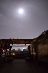 Full moon (konde) Tags: moon kuu flatsinluxor algezera night loma egypt luxor landscape building