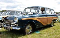 222 HWC (Nivek.Old.Gold) Tags: 1963 ford consul cortina super estate 1500cc mk1