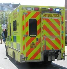 Northern Ireland Ambulance Service (TNZ 9878) (ferryjammy) Tags: ambulance tnz9878 e1222 nias northernireland