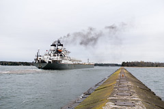Manitowoc at the Lower Entrance Light, October 2017-29 (Invinci_bull) Tags: freighter lakesuperior lake keweenaw keweenawpeninsula keweenawbay keweenawwaterway keweenawwaterwaylowerentrancelight jacobsville houghtoncounty houghton lighthouse light lowerentrancelight michigan michigansupperpeninsula michiganskeweenawpeninsula mi manitowoc fall