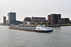 Port of Rotterdam (Martin Hronský) Tags: martinhronsky nikon d500 autumn 2017 geotaged netherlands holland europe rotterdam sea coast city ocean harbor harbour port portofrotterdam tug ship maerks mammoet container containership boat vessel ferry spido