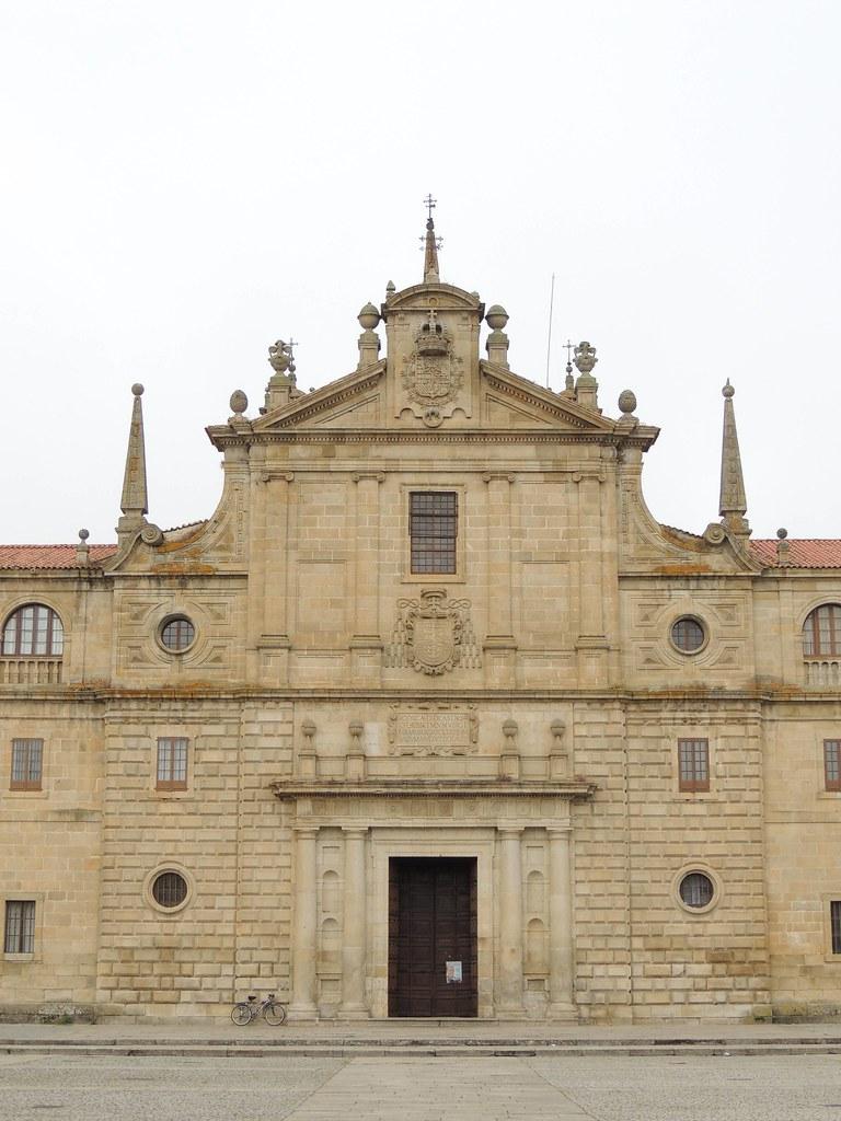 Colegio De Nuestra Señora De La Antigua En Monforte De Lemos, Lugo, España.