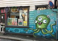 Octopus (svennevenn) Tags: gatekunst bergen streetart octopi octopus blekksprut barnslig