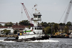 r_170921458_beat0057_a (Mitch Waxman) Tags: killvankull newyorkcity newyorkharbor statenisland tugboat newyork