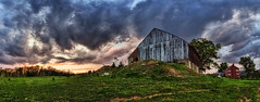 IMG_4747-50Ptzl1TBbL2GER (ultravivid imaging) Tags: ultravividimaging ultra vivid imaging ultravivid colorful canon canon5dmk2 clouds stormclouds sunsetclouds fields farm rural vista scenic autumn evening pennsylvania pa panoramic sky barn farmhouse tree