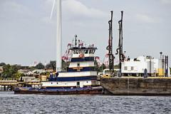 r_170921305_beat0057_a (Mitch Waxman) Tags: killvankull newyorkcity newyorkharbor statenisland tugboat newyork