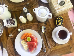 Petit-déjeuner au Desak Putu Putera Cottages