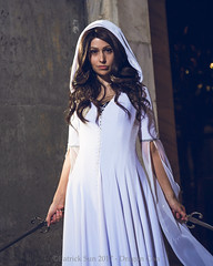 SP_67138-4 (Patcave) Tags: friday dragon con dragoncon 2017 dragoncon2017 cosplay cosplayer cosplayers costume costumers costumes shot comics comic book scifi fantasy movie film legend seeker kahlan emnell mother confessor warrior white sword truth