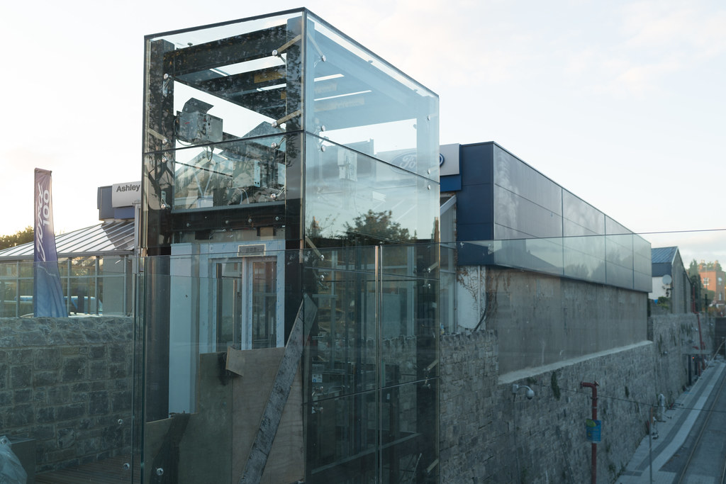 THE NEW LUAS TRAM STOP AT PHIBSBOROUGH [UNDER A BRIDGE AND PROTECTED BY GLASS PANELS]-133100
