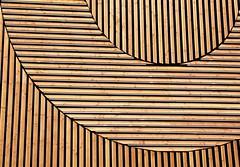 smile (Fotoristin - blick.kontakt) Tags: düsseldorf metro pavillon exhibition unboxed company promotion abstract front building architecture wooden lines curves smile fotoristin
