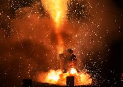Hand-held fireworks; the final stage, explosion (4) (takashimuramatsu) Tags: handheldfireworks firework fireworks hand handheld toyohashi festival hada hachiman shrine hachimangu japan nikon d500 手筒花火 豊橋 羽田八幡宮 祭り