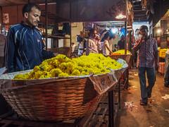 LR-018 (hunbille) Tags: india mumbai birgittemumbai32015lr dadar phool galli phoolgalli flower market bazaar bombay