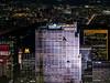 """Top Of The Rock. Comcast Building 30 Rockefeller Plaza (""""30 Rock"""") desde el Empire State Building. (Luis Pérez Contreras) Tags: night photography nocturna fotografía viaje eeuu usa trip 2017 olympus m43 mzuiko omd em1 manhattan nyc newyork nuevayork estadosunidos empirestatebuilding 30rock topoftherock comcastbuilding"""